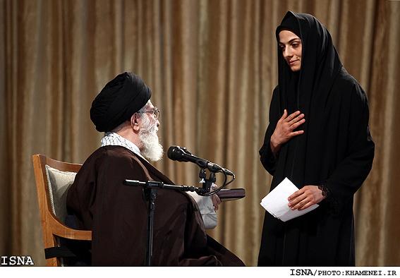 اهتزاز پرچم حجاب و عفاف